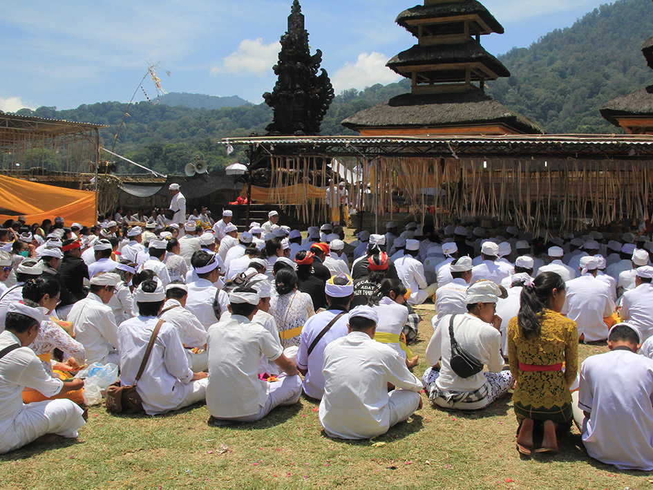 Forth Full Moon Ceremony in Tamblingan