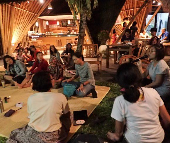 Suara Remaja Terasing di Teras Sharing