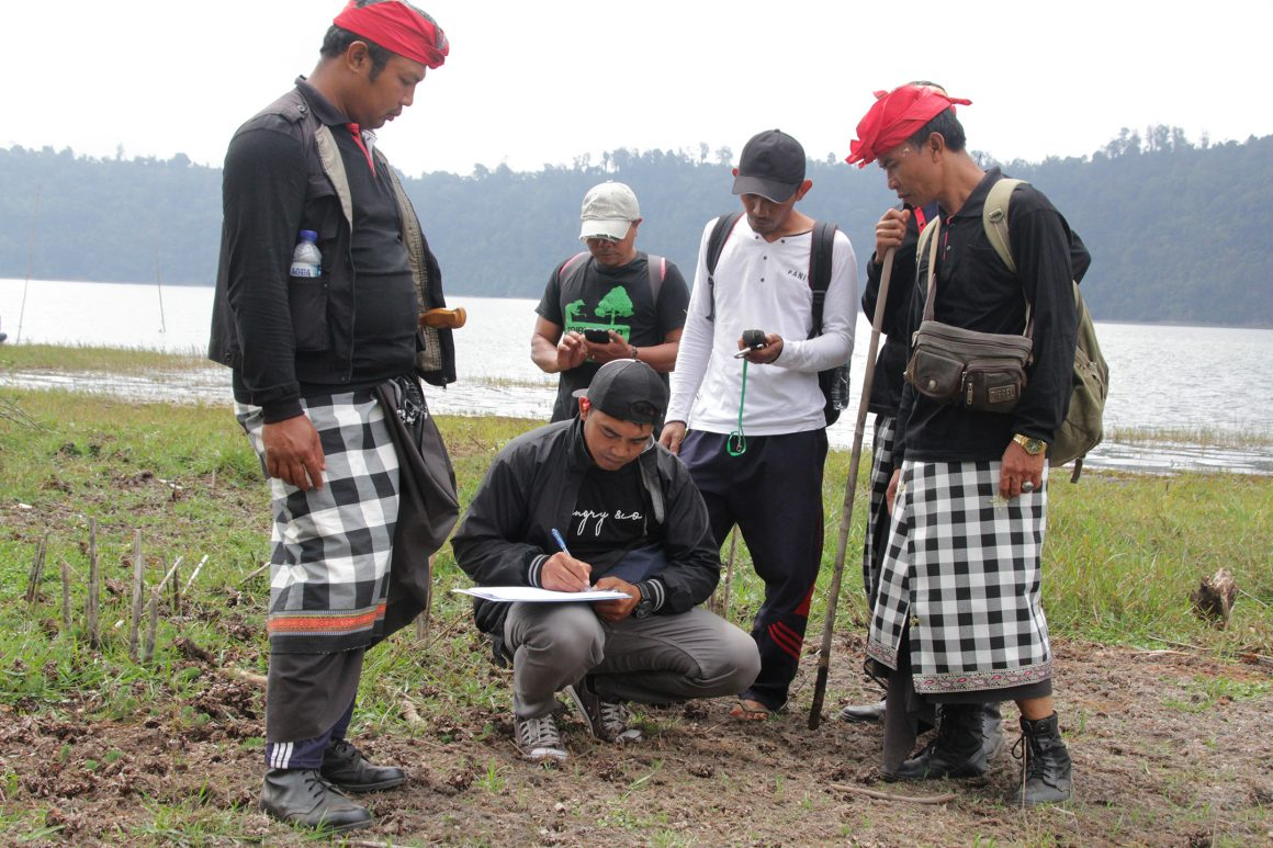 Glorifying Mertajati Tamblingan Forest: Development of the Dalem Tamblingan Traditional Forest in Four Villages of Buleleng as a Sustainable Forest Learning Center Based on Local Knowledge